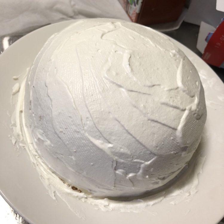 生クリームをぬったケーキ
