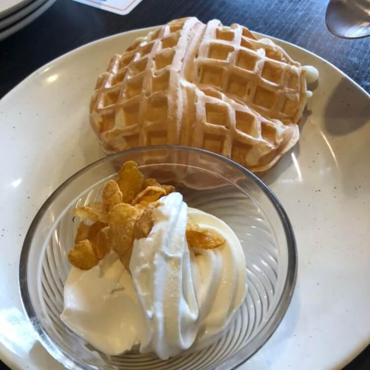 ワッフルとソフトクリーム